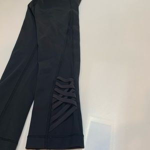 Lululemon Crop Tights with Mesh Detail - Black